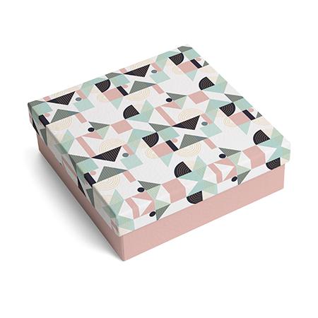 Geometric Shapes Decorating France's E-Commerce Boxes
