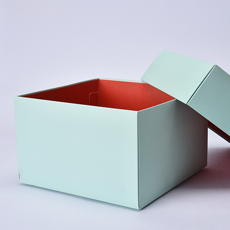 Reflect The Winter Concept To Your E-Commerce Boxes